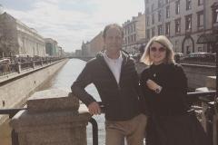 Después de la visita guíada por San Petersburgo - en el canal Griboedov en frente de la Iglesia del Salvador sobre la Sangre Derramada