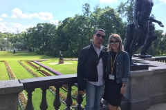with an Italian tourist during the guided tour to Catherine's Palace (August, 2017)