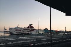 Корабль-в-порту-Генуи