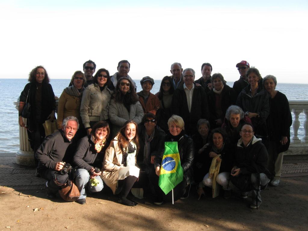 con los turistas brasileros