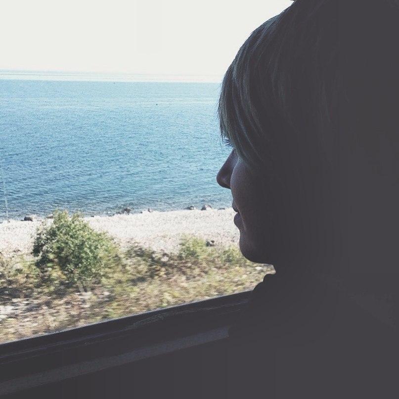 транссибирская магистраль вид из окна поезда озеро Байкал