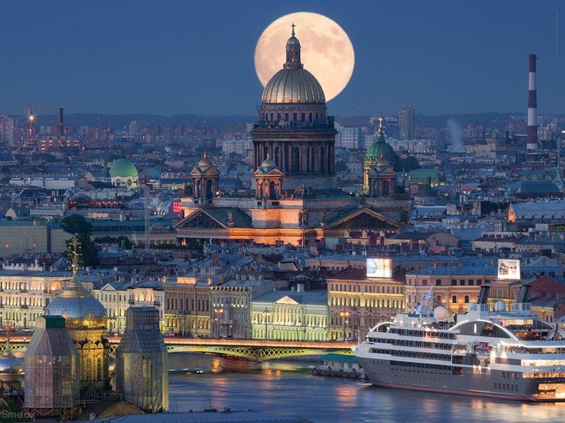 Обзорная экскурсия по Санкт-Петербургу на итальянском языке. Photo: Ivan Smelov