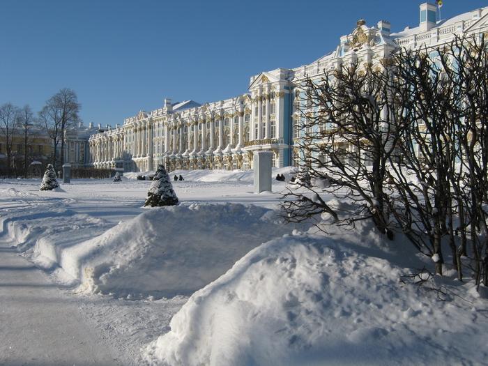 Palacio de Catalina salon de ambar con la nieve frio hielo