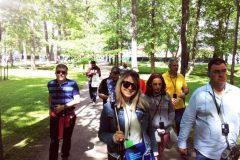 Испанский гид в Петергофе Нижний парк