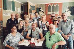 С группой туристов из Италии в центре Санкт-Петербурга