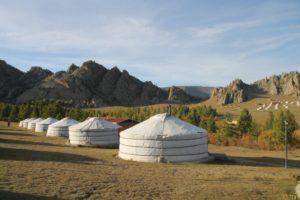 Mongolia. Ulan-Bator. La yurta nella steppa