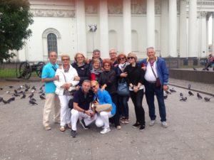 гид и туристы