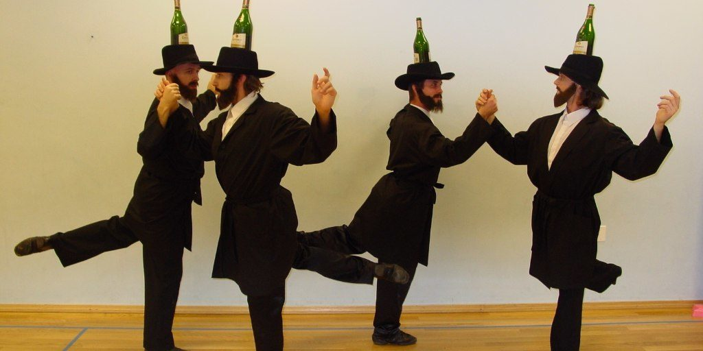 израильняне танцуют раввины