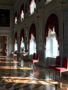 дворец-в-петергофе-гид-на-итальянском